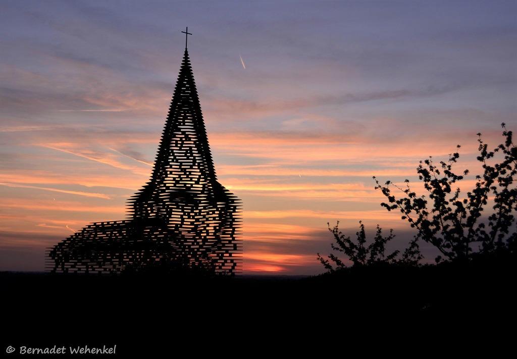Heerlijk, zo'n les fotografie in open lucht aan de doorkijkkerk in Borgloon.